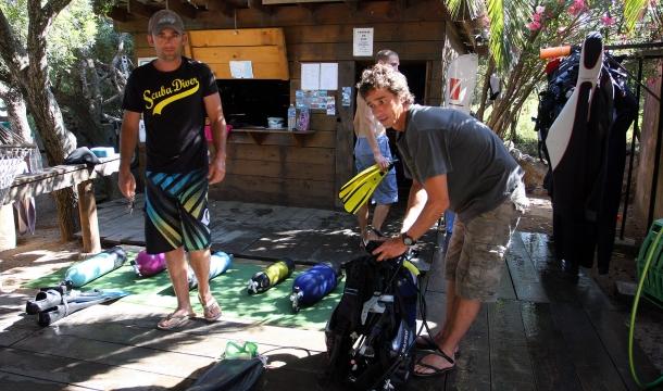 préparatifs avant plongée